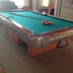 Pool Table/Brunswick/9 foot